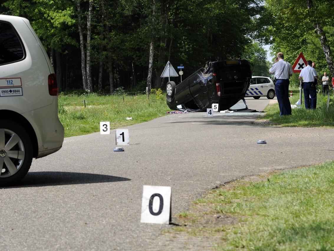 Gewonde bij auto-ongeluk Buurse