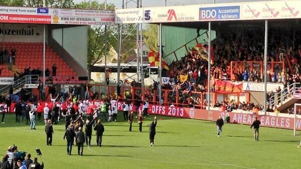 Huldiging Go Ahead Eagles in Deventer live bij RTV Oost