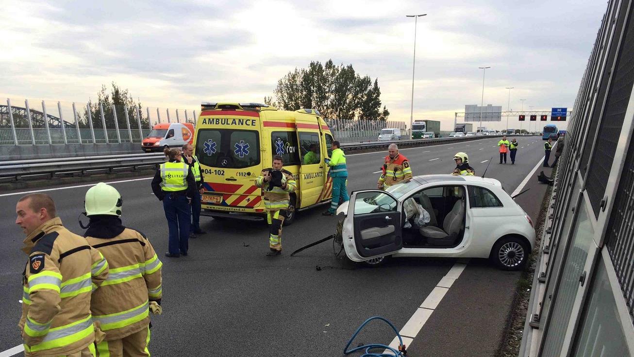 A28 bij Zwolle dicht na ongeluk