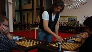 Marino Barkel tijdens zijn wereldrecordpoging