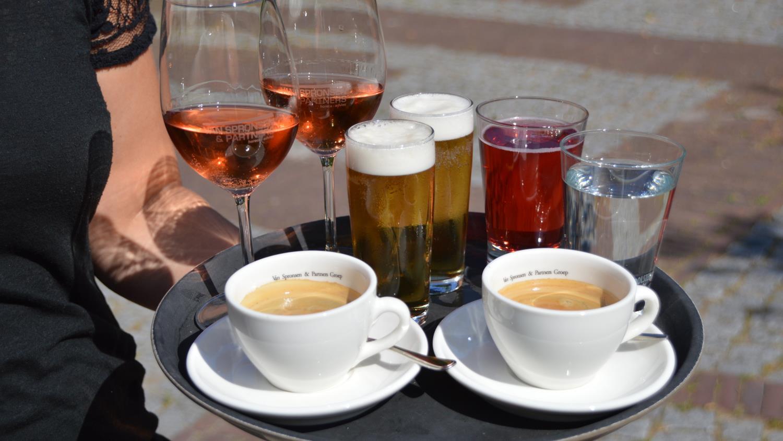 Prijzen voor drankjes op terras in zwolle en enschede gemiddeld - Foto van het terras ...