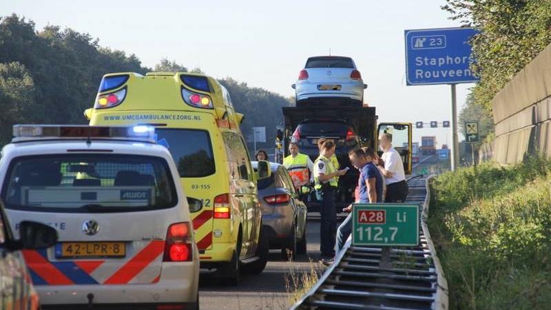 Twee gewonden bij ongeluk op A28 bij Staphorst
