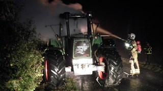 Tractor uitgebrand in Dalfsen