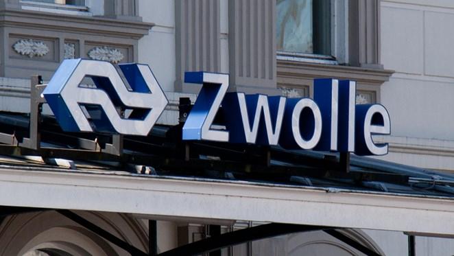 SP steekt medewerkers NS in Zwolle hart onder de riem
