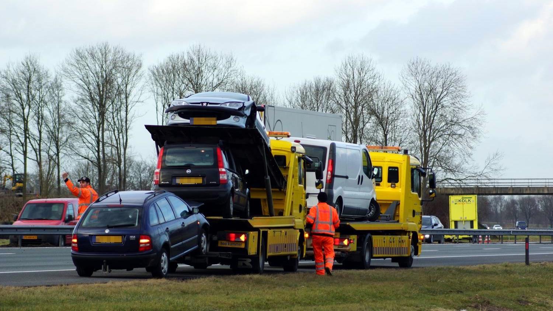 Twee rijstroken afgesloten van A28 bij Staphorst door ongeluk
