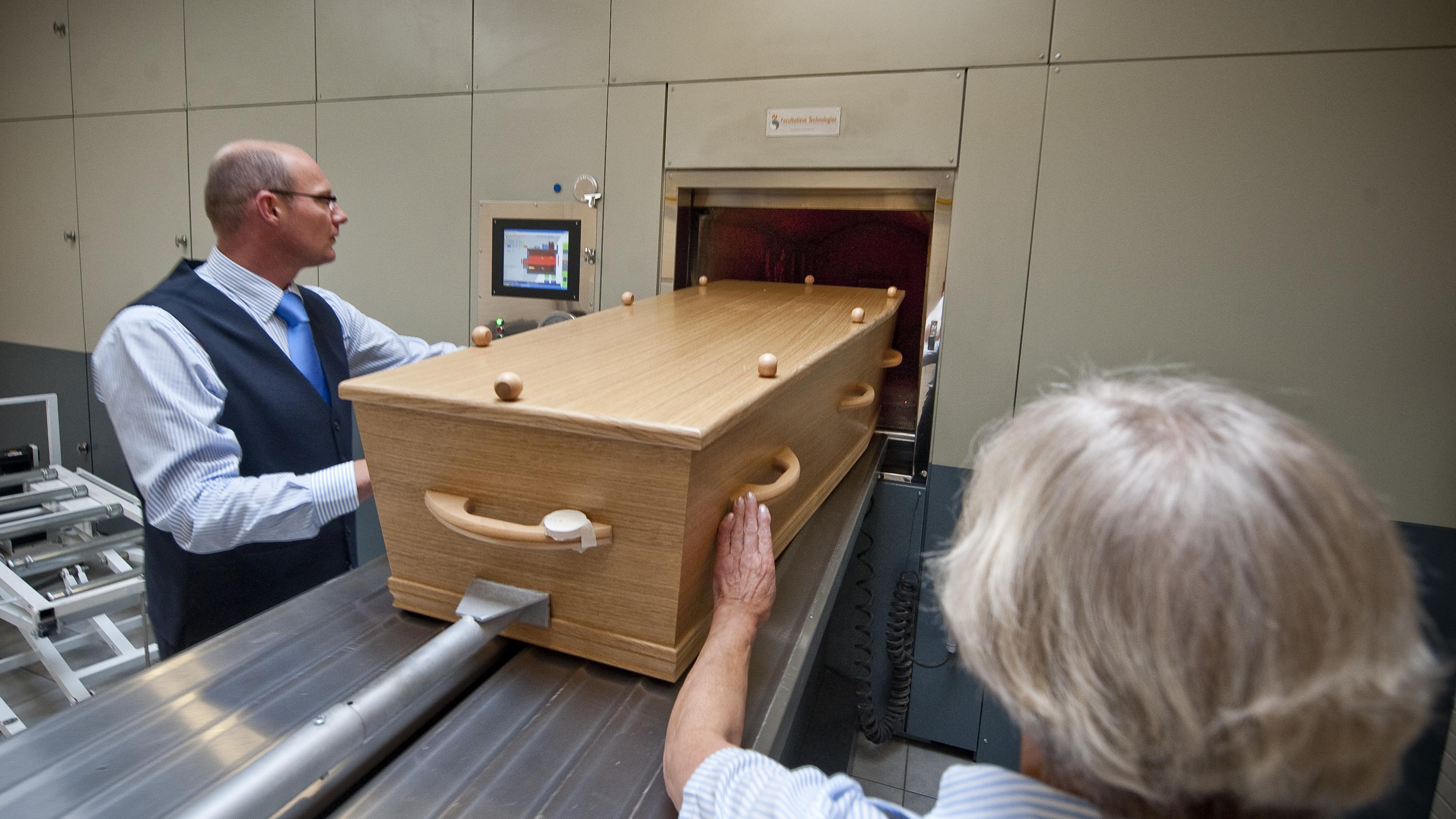 Crematorium in Usselo opent de deuren voor belangstellenden: www.rtvoost.nl/nieuws/default.aspx?nid=219033