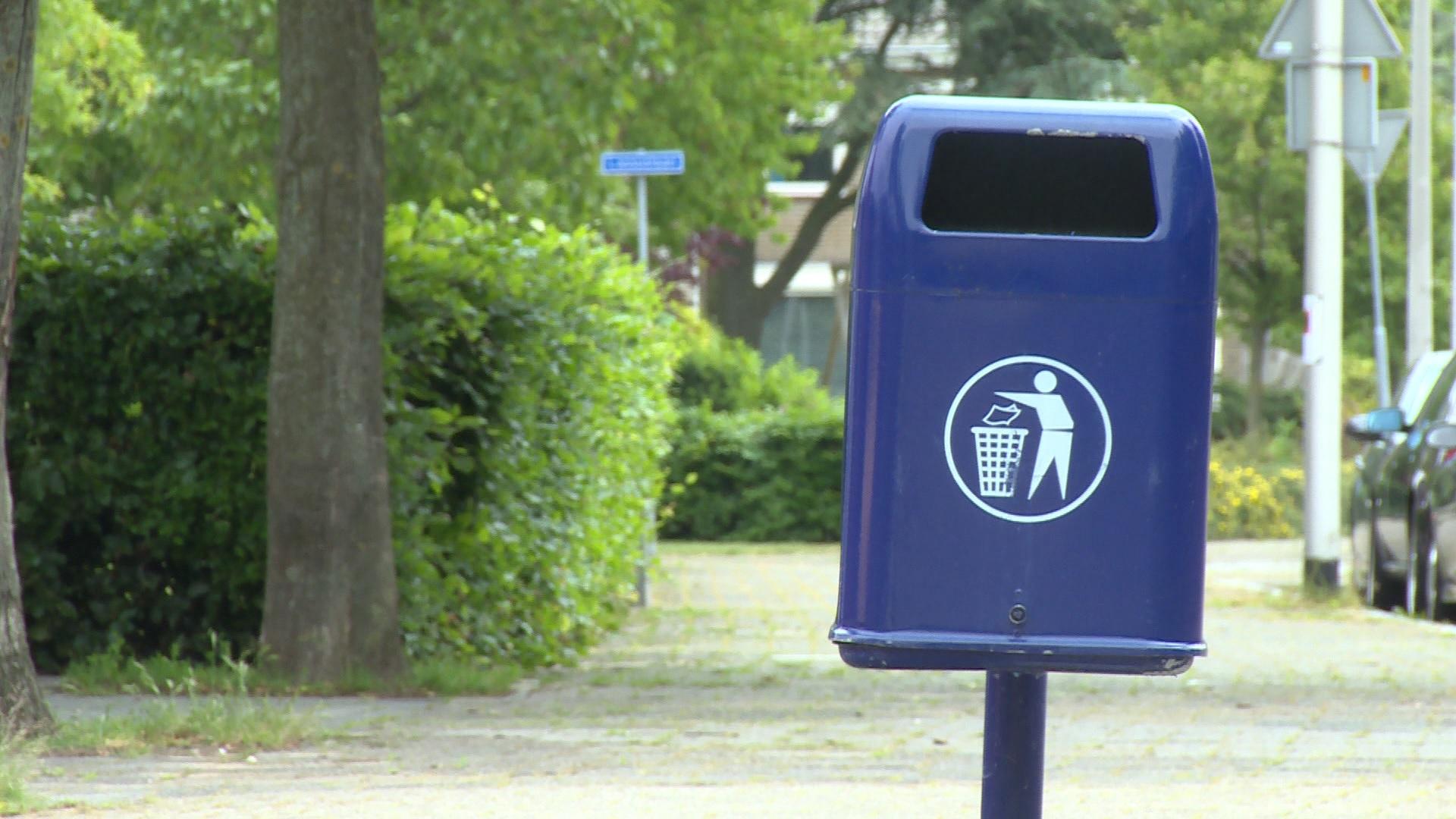 Niet eens met het wegbezuinigen van afvalbakken in Zwolle ...