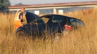 Auto in de berm langs A1 bij Holten, automobilist gewond naar ziekenhuis gebracht
