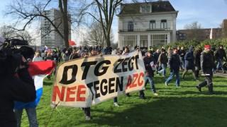 De demonstratie in Enschede tegen het azc