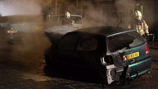 Auto in brand gestoken in Zwolle