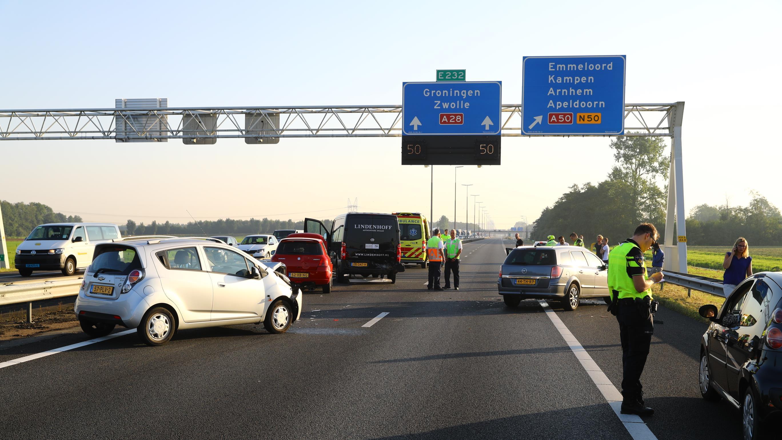 A28 tijdelijk afgesloten tussen Wezep en Hattemerbroek na ...