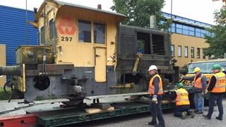 Locomotief wordt verplaatst