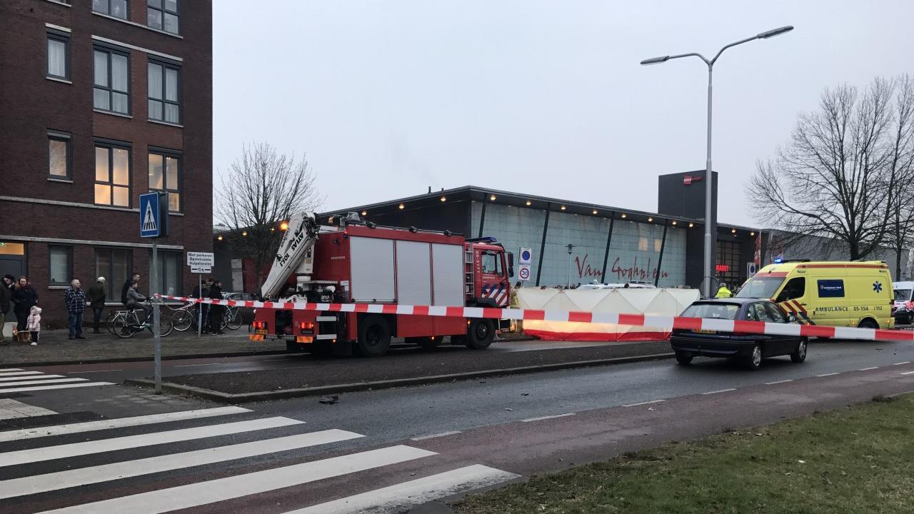 Fietser (16) overleden na ongeluk in Almelo (UPDATE)