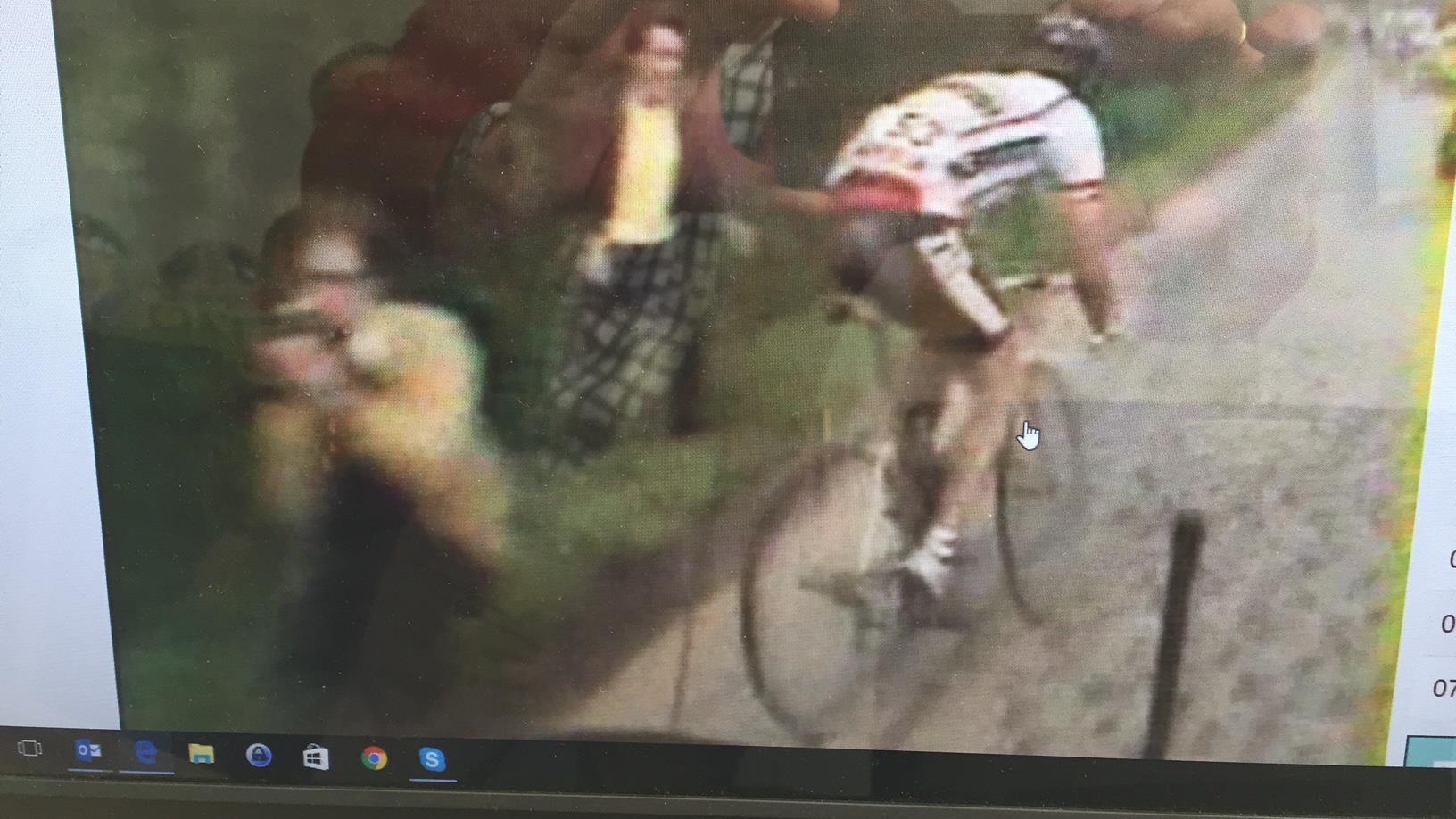 Hennie Kuiper zoekt de man, die hem bijna de winst kostte in Parijs-Roubaix