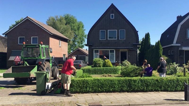 Tuin schoffelen of boodschappen doen? Noabers in Bruchterveld en ... - RTV Oost