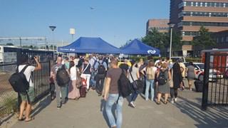 Drukte bij de bussen door stroomstoring in Zwolle