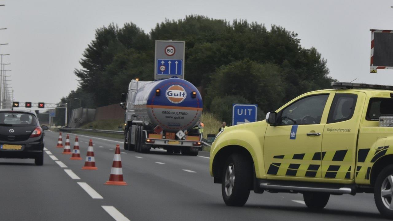Uur vertraging op de A28 tussen De Wijk en Staphorst na ongeval.