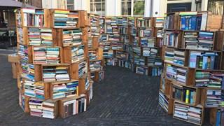 De beroemde boekenkast, nu te koop
