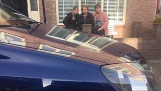 Boze buurvrouwen in Knutteldorp na bekrassen auto's