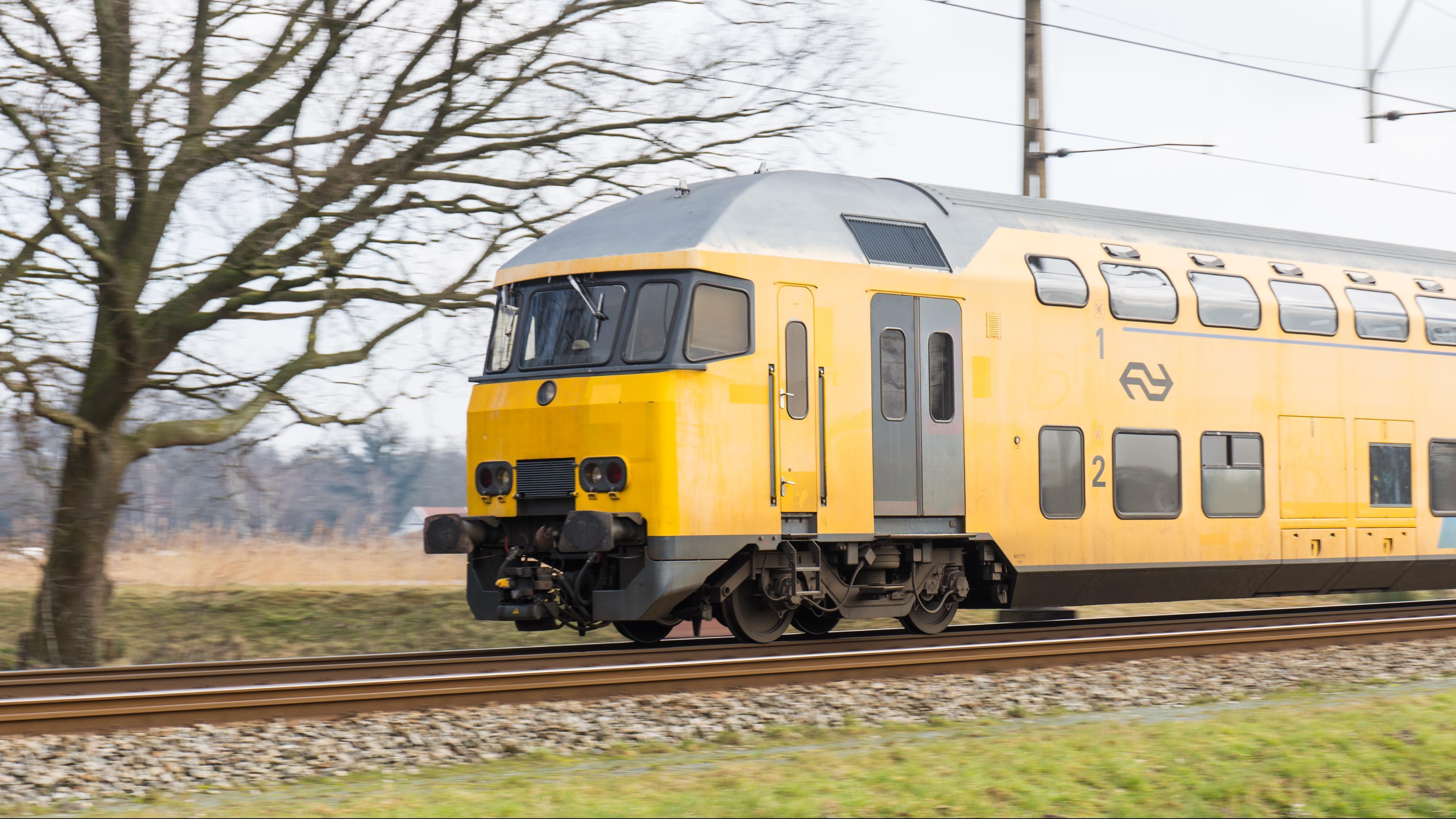 Trein tussen Olst en Zwolle rijdt niet na aanrijding.