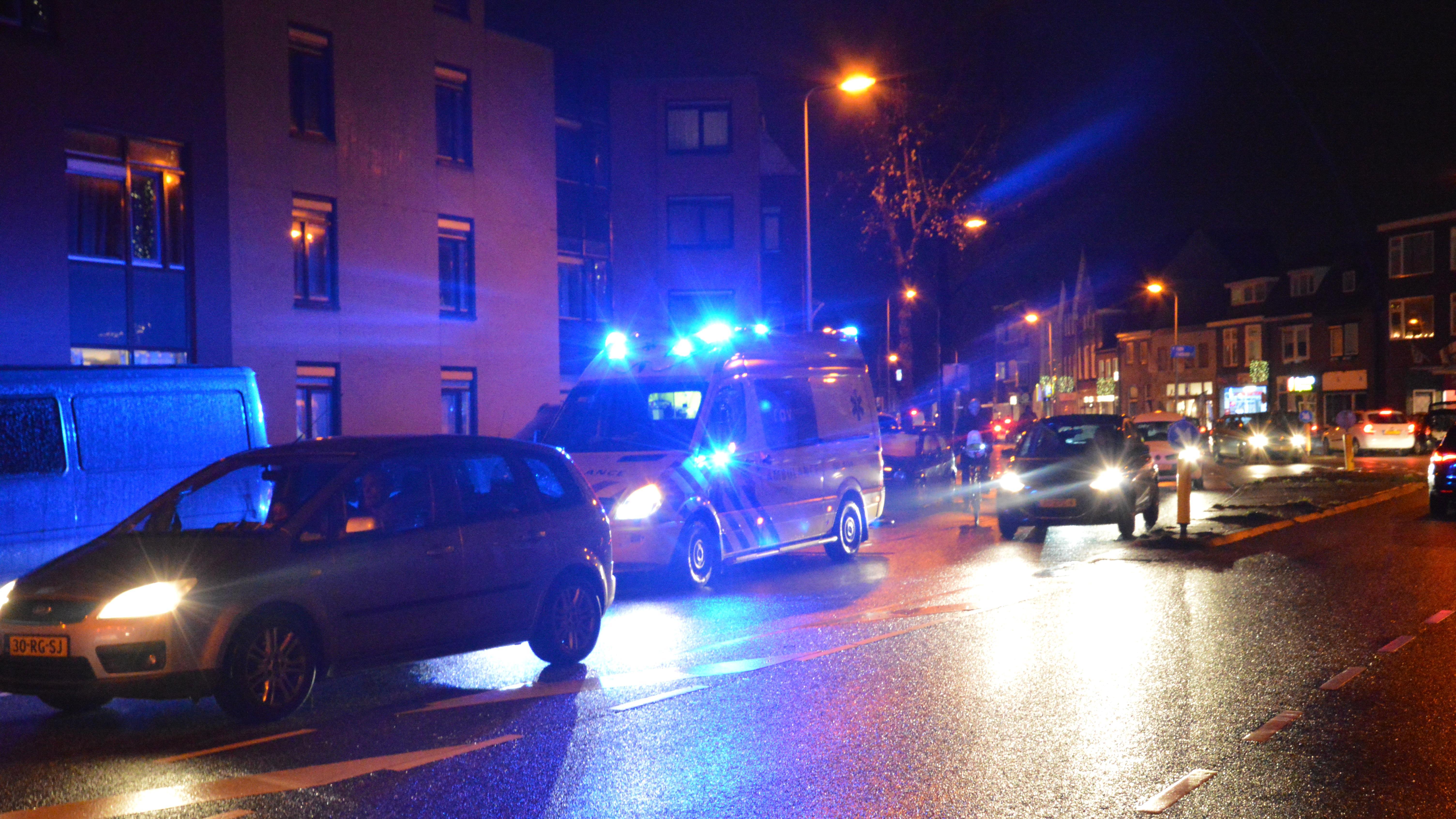 Voetganger aangereden op Vechtstraat Zwolle, bestuurder doorgereden.