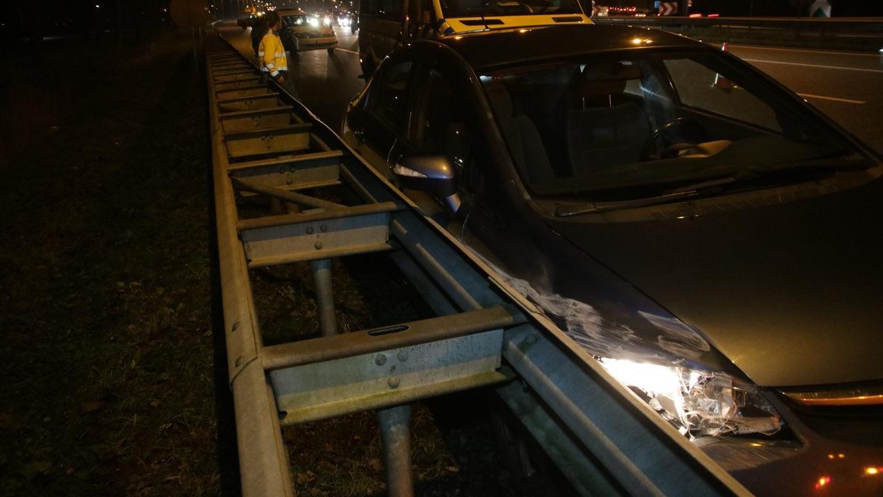 Automobiliste gewond bij botsing met vrachtwagen op A28 bij Staphorst.
