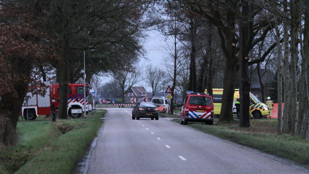 Motorrijder verongelukt bij botsing in buitengebied Hellendoorn.