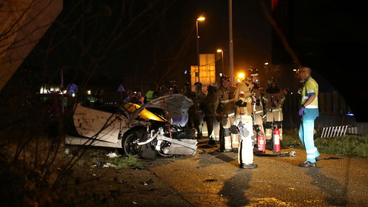 Auto zwaar beschadigd bij ongeluk op N36.