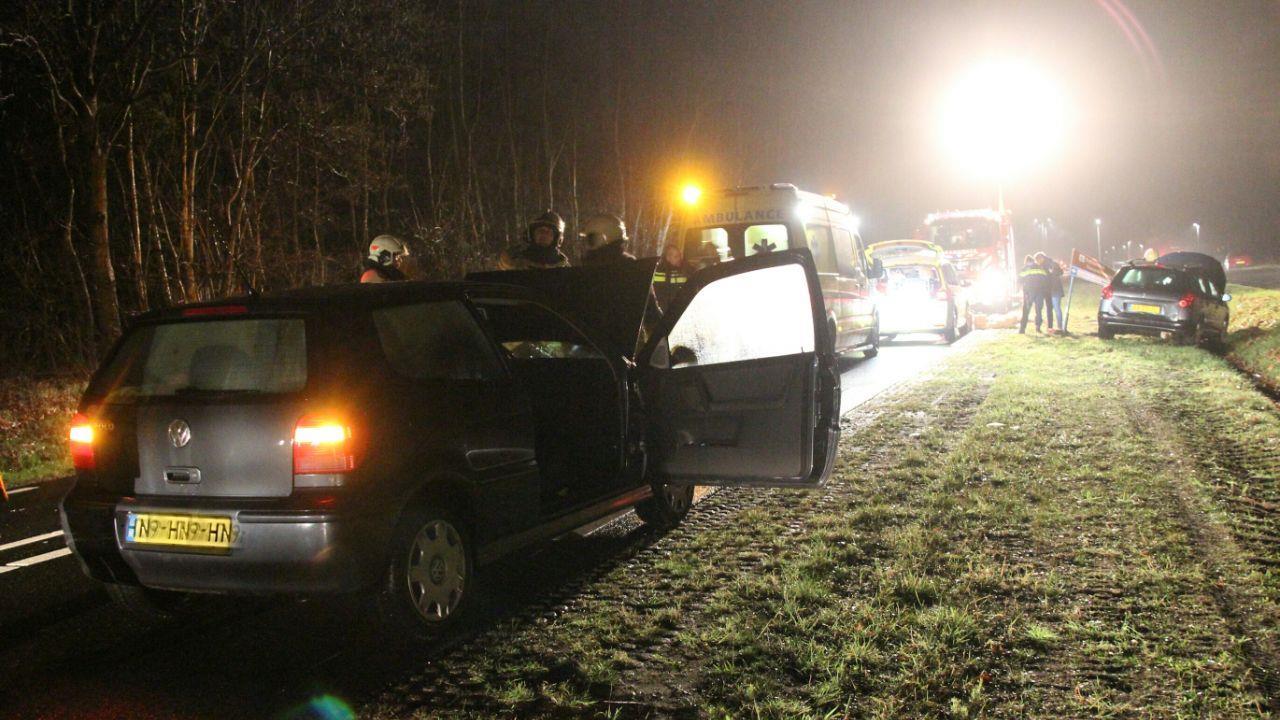 Bestuurder gewond bij kop-staartbotsing op N350 bij Holten.