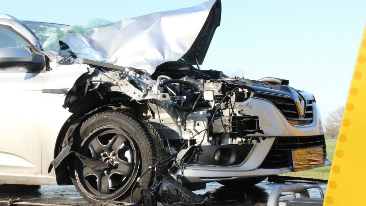 File door ongeluk op A1 bij Enter, automobilist gewond.