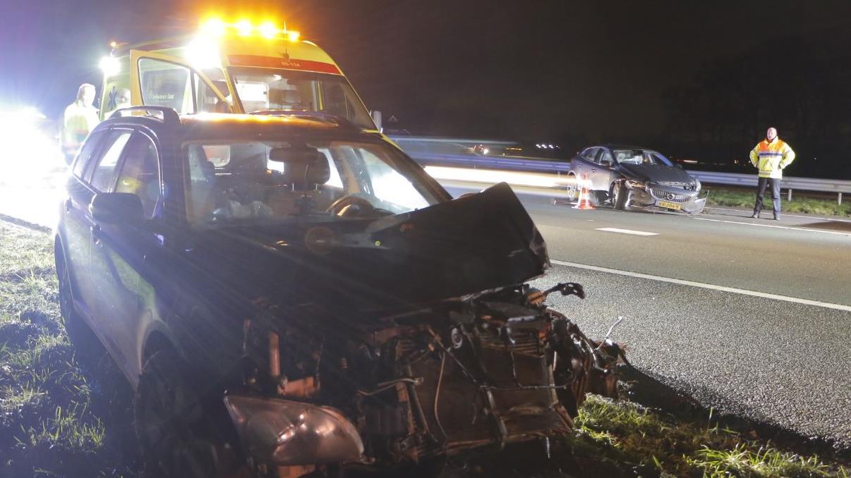 Drie lichtgewonden bij ongeval op A1 bij Holten.