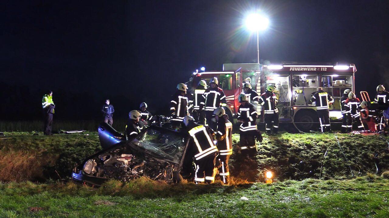 Ernstig ongeluk vlak over de grens bij De Lutte, twee gewonden.