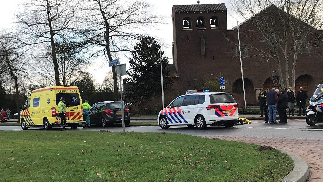 Fietsster gewond na aanrijding in Almelo.