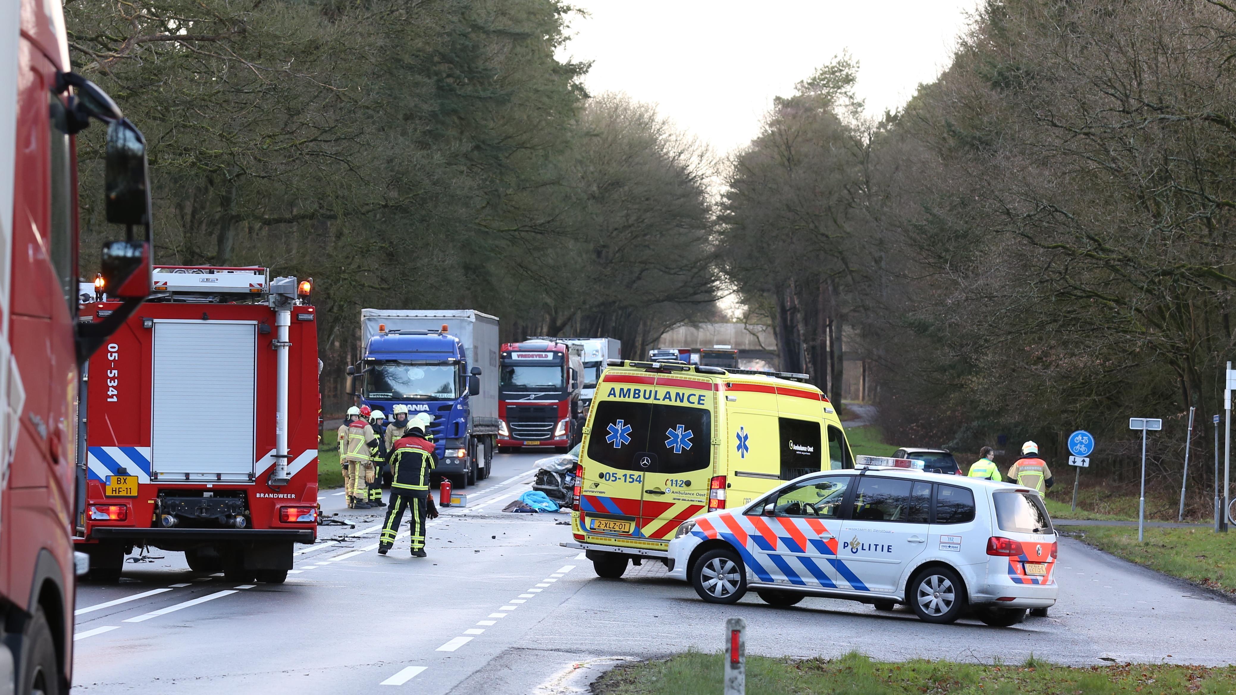 Vrouw uit Nijverdal komt om het leven bij ongeval op N35 bij Haarle.