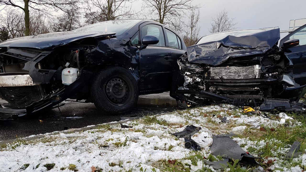 Zwangere vrouw gewond bij botsing in Hengelo.