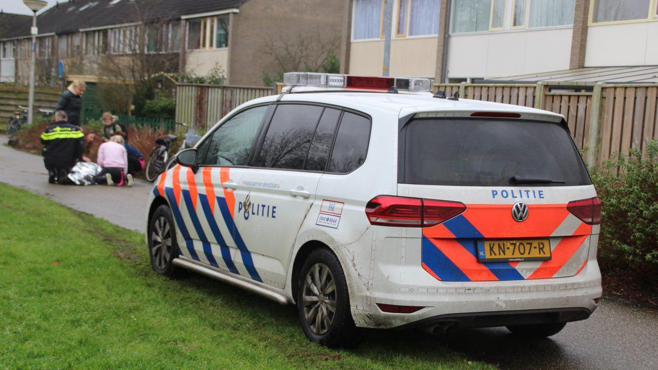 Meisje op fiets gewond na botsing in Almelo.