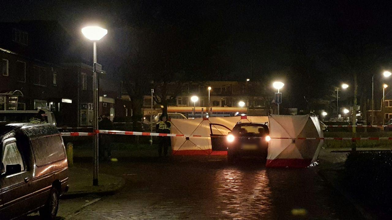 Dode man in Enschede is beschoten en mogelijk bij aanrijding betrokken.