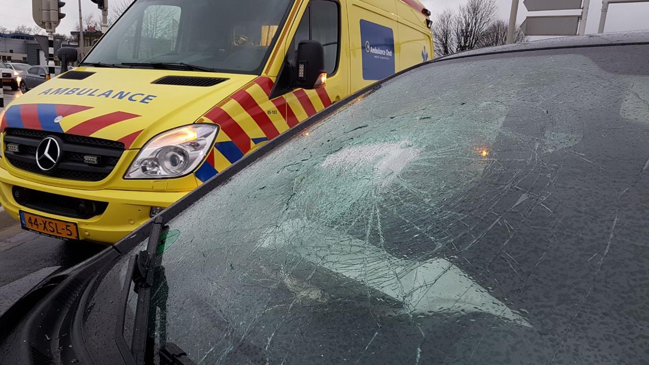 Twee ongelukken in Hengelo, geen gewonden.