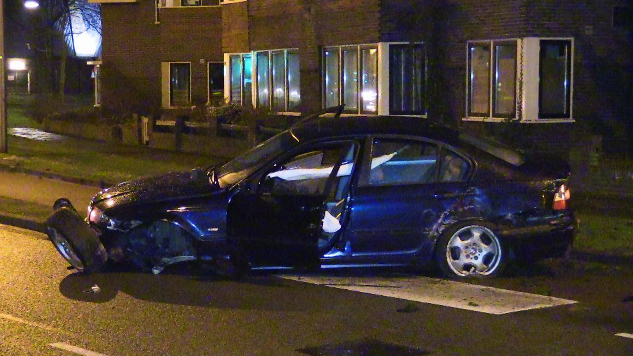 Ravage bij ongeluk op singel in Enschede.