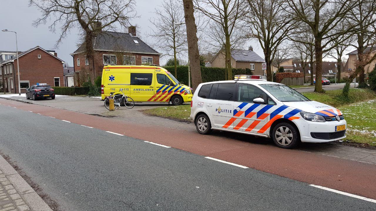 Fietser gewond bij botsing met auto in Enschede.