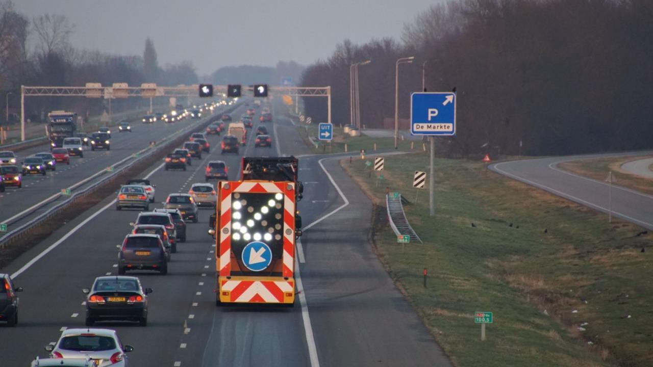 Chaos op A28 door ongelukken in de ochtendspits.