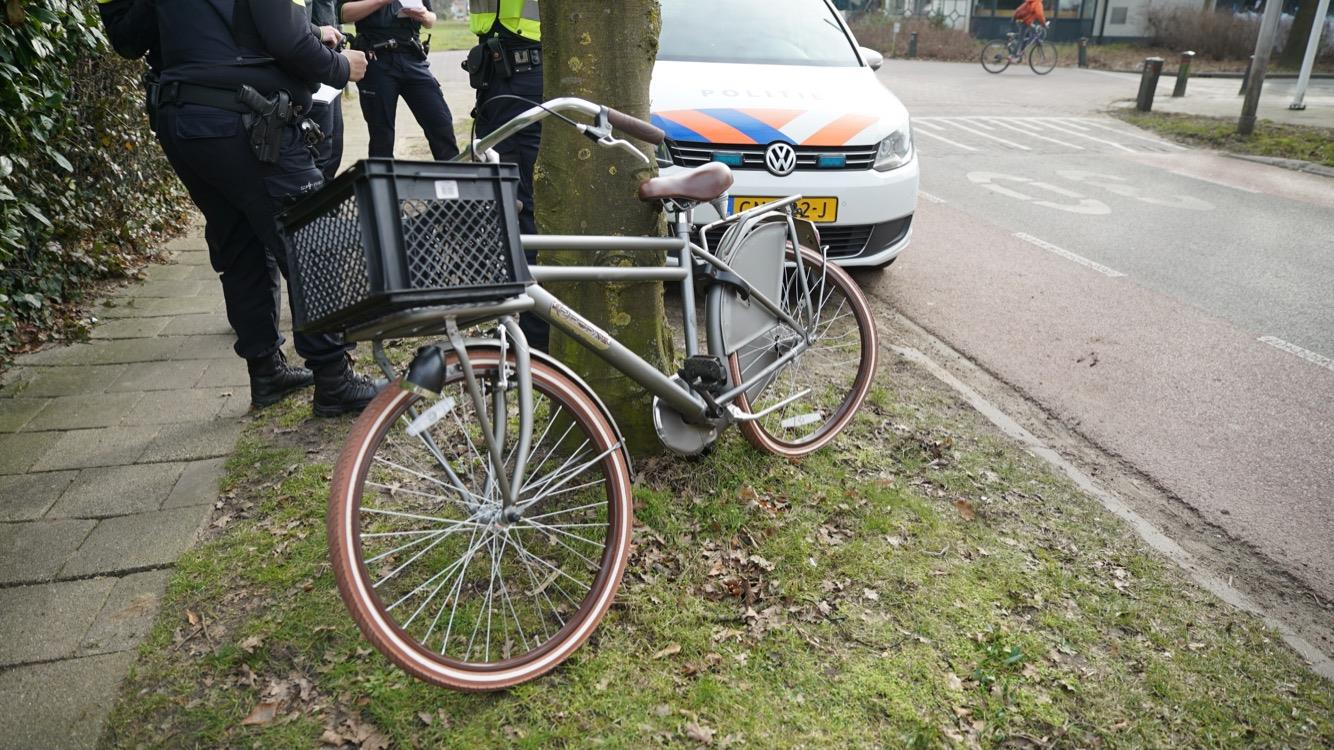 Jongetje gewond naar ziekenhuis na aanrijding in Diepenveen.
