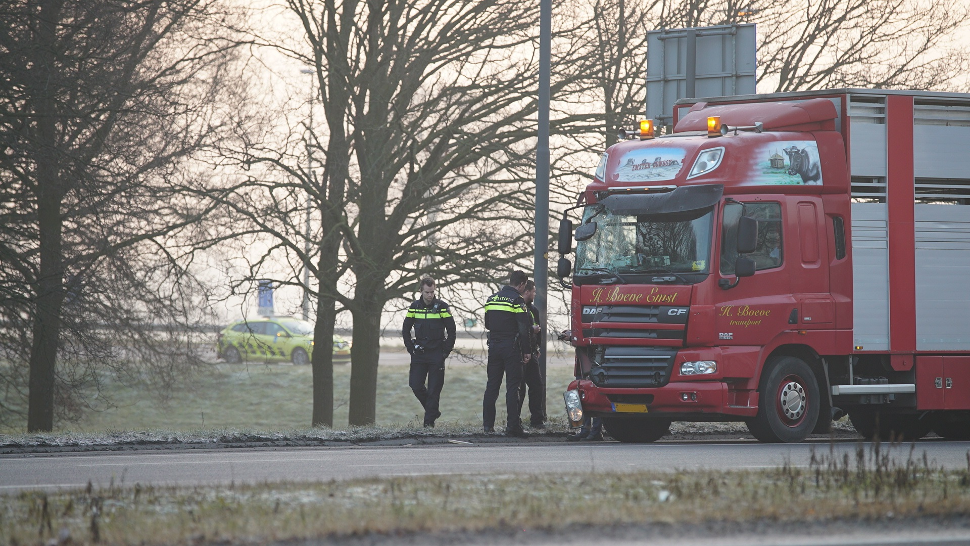 Ongeluk met vrachtwagen op A1 bij Deventer, veel vertraging richting Hengelo.