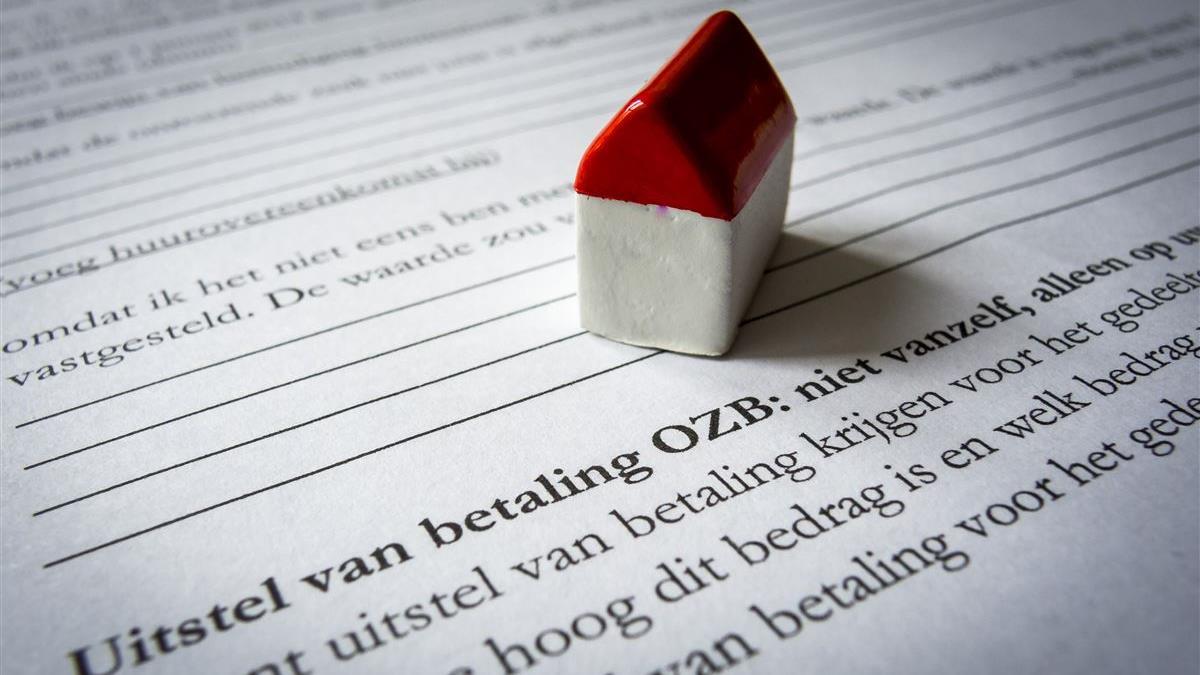 Hellendoorn wil plan met flinke ozb-stijging in afgeslankte versie door laten gaan