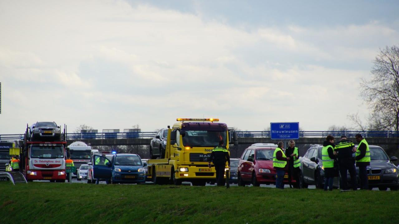 13 kilometer file op A28 tussen Zwolle en Staphorst door ongeval.