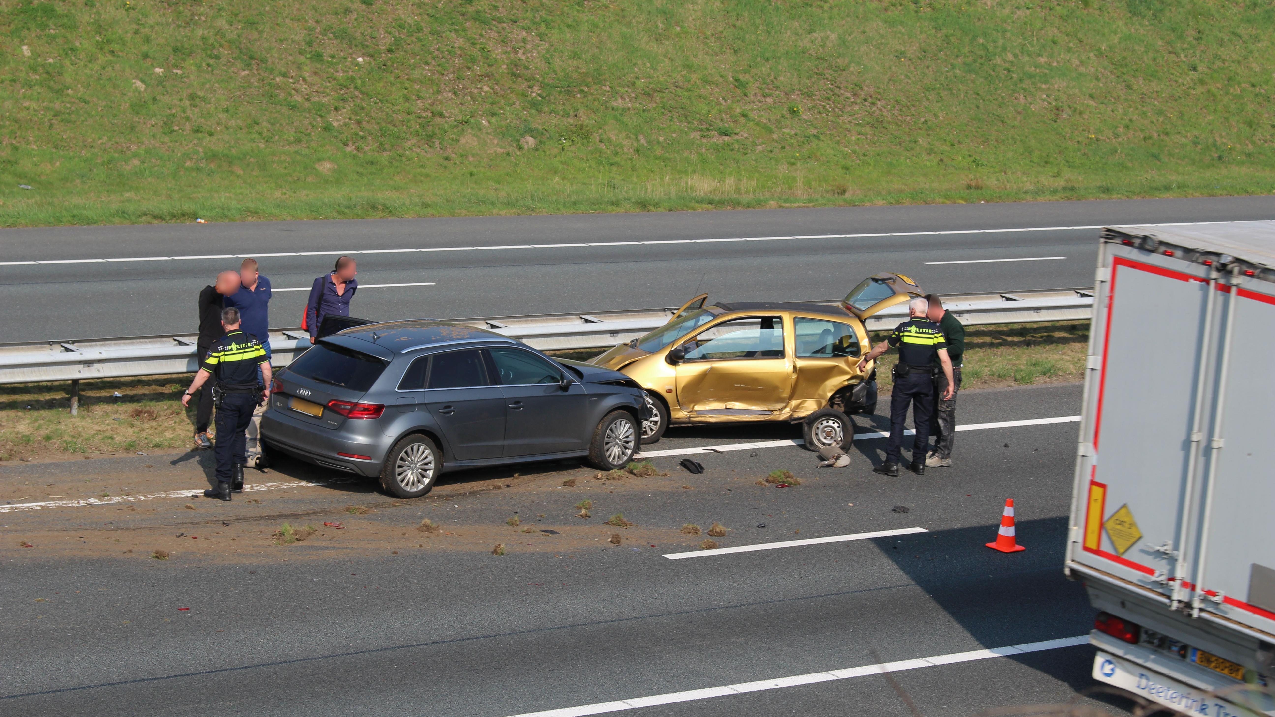 File op A1 tussen Hengelo en Oldenzaal door ongeval.