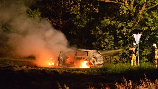 Auto uitgebrand - fotograaf: Collin Coule