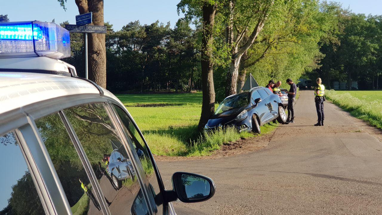 Gewonde bij ongeluk met veel schade in Boekelo.