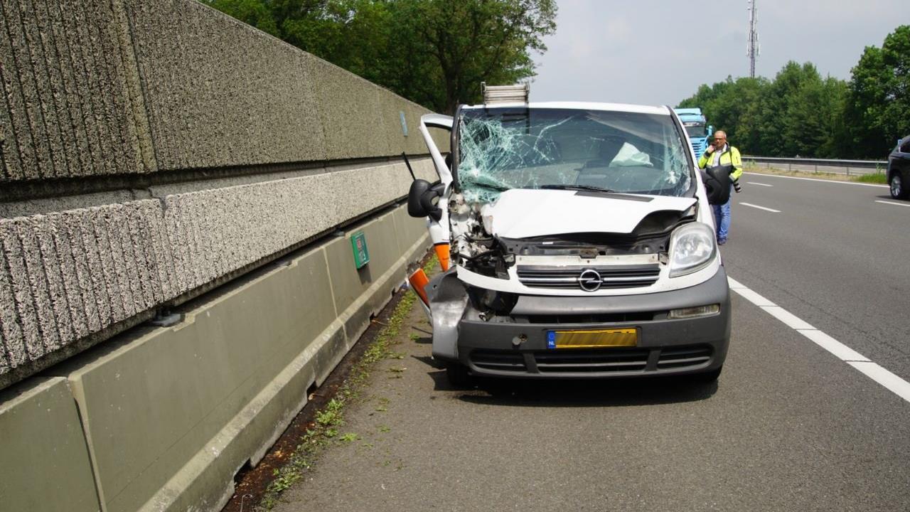 A9 dicht na ernstig ongeluk, een gewonde.