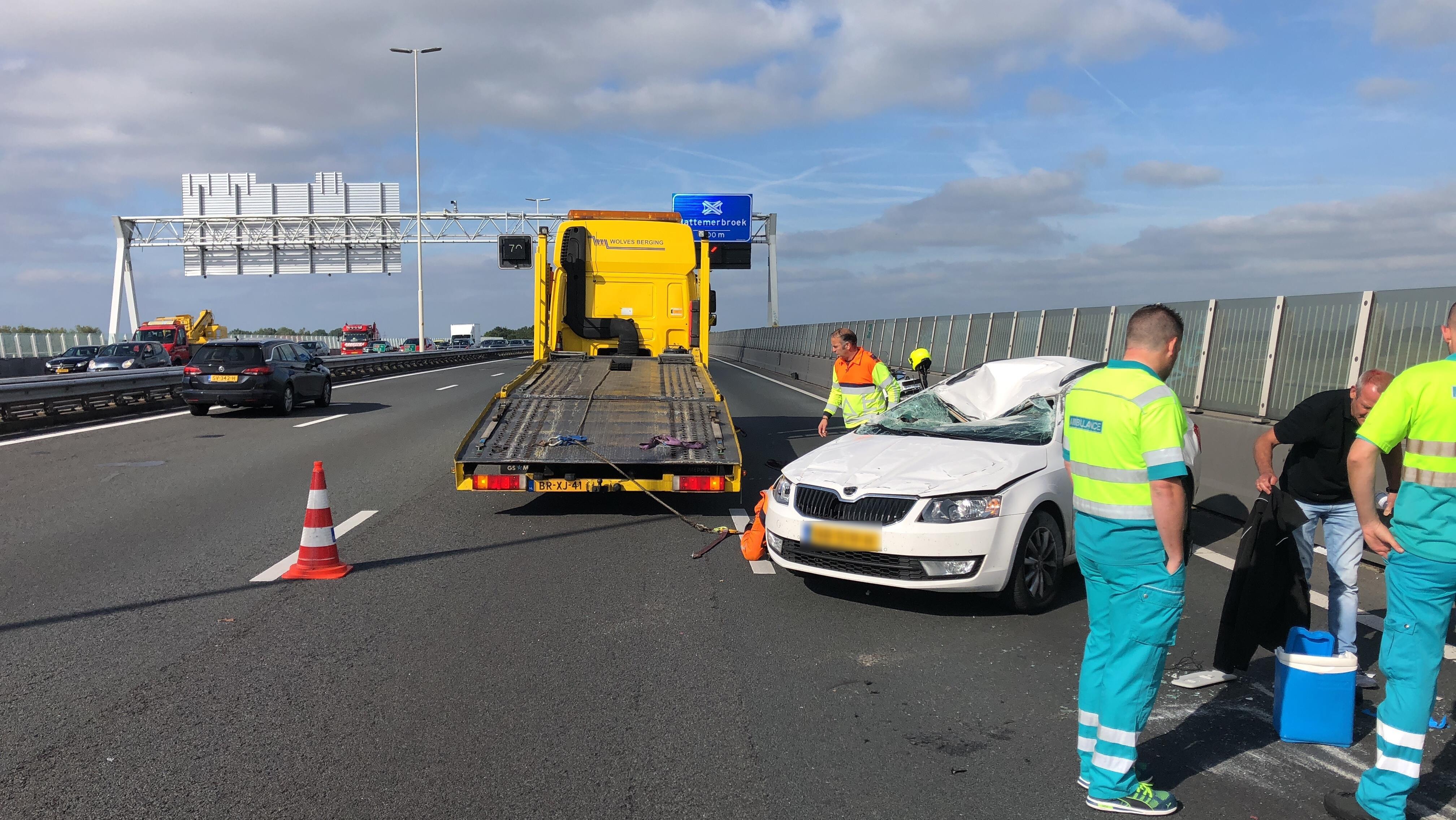 Ruim anderhalf uur vertraging op A28 bij Zwolle door ongeluk.